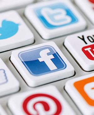hvad er et socialt medie